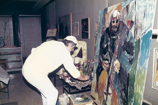 Painting the photographer Yiannis Kyriakidis, Thessaloniki, 1992